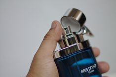 Here are the best smelling essential oils for men. Essential oils are not just for women, frankincense, cinnamon, Idaho blue, mint and valor smell great Best Smelling Essential Oils, Essential Oil For Men, Oils For Men, Clary Sage Essential Oil, Obsession For Men, Best Fragrances, How To Look Handsome, Gifts For Your Boyfriend, Aging Cream