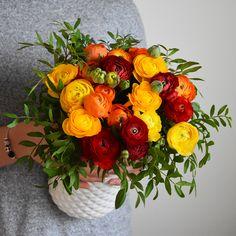 ÉCLATANTES RENONCULES #renoncules #flower #flowerdelivery