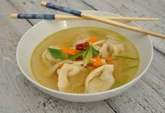 Wonton leves Wonton, Food Inspiration, Thai Red Curry, Paleo, Chinese, Ethnic Recipes, Soups, Beach Wrap, Soup