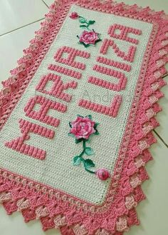 This Pin was discovered by Nil Crochet Home, Crochet Baby, Knit Crochet, Crib Decoration, Pinterest Crochet, Crotchet Patterns, Diy Holiday Gifts, Crochet Doilies, Crochet Projects