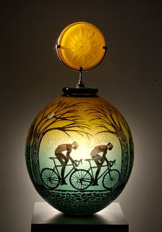 Fred Kahl glass   ... with glass began at age five when he visited a glass factory in west