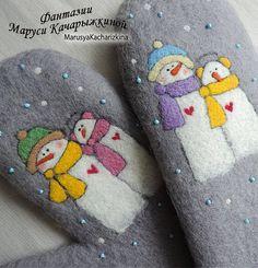 Handmade felted mittens Wool mittens Felt от MarusyaKacharizkina Sweater Mittens, Fingerless Mittens, Nuno Felting, Needle Felting, Wool Gloves, Felting Tutorials, Love Hat, Felt Art, Hand Warmers
