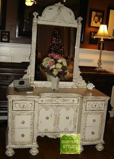 Shabby Paints Vanity