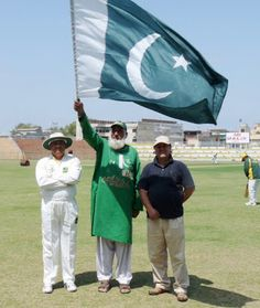 """Keeping the Flag Flying High!  Pakistan's favourite Cricket """"Chacha"""""""