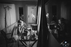 Photo des préparatifs de la mariée...  #B&W #mariage #préparatif #mariée #photo #wedding  http://www.stephanejoly-photographe.com