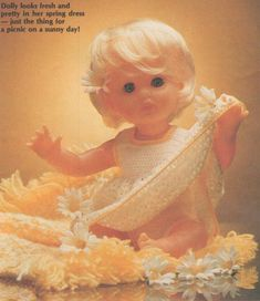 Spring is in the air, pattern for First Love Doll outfit, from Value, October Doll Patterns, Clothing Patterns, Knitting Patterns Free, Free Pattern, Crochet Doll Clothes, No One Loves Me, Vintage Dolls, Tinkerbell, Baby Dolls