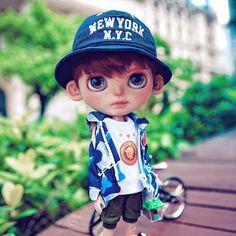 ☀☀☀#Blythe #Blythedoll #customBlythe #noisedoll #Blythecustom #doll Tiny Dolls, Ooak Dolls, Blythe Dolls, Art Dolls, Cute Cartoon Pictures, Gothic Dolls, Beautiful Barbie Dolls, Dream Doll, Little Doll