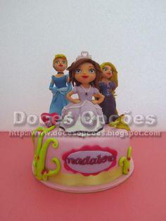 Doces Opções: Bolo com as princesas da Madalena