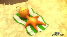 Quigly is taken a sunbath all the morning, he wants to be tan! Glumpers on the beach enjoying the summer holidays: sun, relax, friends. Cartoon comedy for kids. ----- Quigly lleva toda la mañana tumbado tomando el sol, quiere ponerse muy moreno!  - Fotos de las vacaciones de verano de los Glumpers en la playa. Glumpers, serie de dibujos animados para niños, comedia de animación