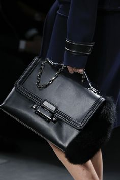 Versace Fall 2016 Ready-to-Wear Accessories Photos - Vogue