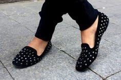 women black flat shoes