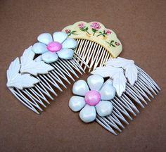 Vintage hair combs 3 white flower hair by ElrondsEmporium on Etsy