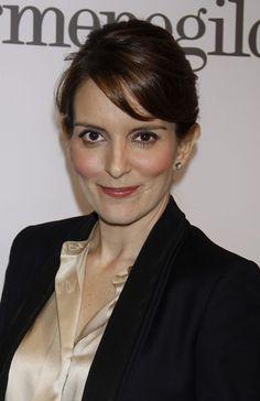 Tina Feys layered, brunette hairstyle