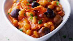 Rezept: Weiße Bohnen in Tomatensauce mit Chorizo und Oliven