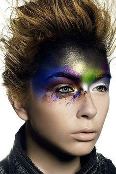 makeup art Amazing make up artistry by Andi Soon Loving these conceptual pieces Airbrush Makeup, Makeup Eyeshadow, Aveda Makeup, Glitter Makeup, Makeup Art, Beauty Makeup, Makeup Themes, Alien Makeup, Makeup Tips