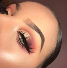 Gorgeous Makeup: Tips and Tricks With Eye Makeup and Eyeshadow – Makeup Design Ideas Eye Makeup Glitter, Kiss Makeup, Glam Makeup, Makeup Inspo, Eyeshadow Makeup, Makeup Inspiration, Beauty Makeup, Hair Makeup, Pink Eyeshadow