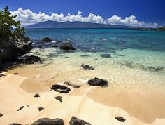 Kapalua bay beach, Maui, HI  I seriously NEED to visit Hawaii sometime. Looks absolutely stunning and relaxing.