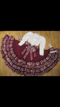 Mexicanisimo Mexican Fashion, Mexican Outfit, Mexican Dresses, Mexican Style, Xv Dresses, Quince Dresses, Mexican Birthday, Mexican Party, Folklorico Dresses