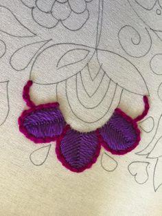 Puntos de bordado – Resultados de la búsqueda – Dos Juanitas Hand Embroidery Flowers, Wool Embroidery, Embroidery Monogram, Embroidery Needles, Embroidered Flowers, Cross Stitch Embroidery, Embroidery Patterns, Mexican Embroidery, Estilo Hippie