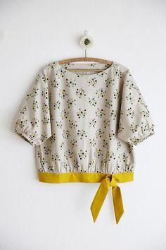 Pakistani Fashion Casual, Iranian Women Fashion, Batik Fashion, Fashion Sewing, Kurta Designs Women, Blouse Designs, Festival Outfit 2018, Party Kleidung, Linen Shirt Dress