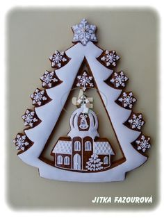 I love this fancy gingerbread cookie! Too beautiful to eat! Spice Cookies, Fancy Cookies, Gingerbread Cookies, Sugar Cookies, Christmas Cookies, Christmas Gingerbread House, Rustic Christmas, Christmas Crafts, Christmas Decorations