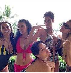 Hollywood exes in Hawaii :)