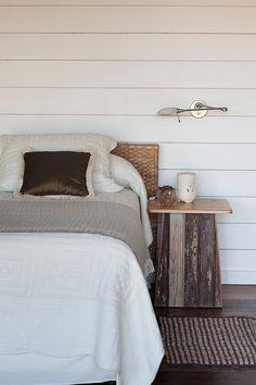 Modern beach house bedroom  by Argentinian architect Martin Gomez Arquitectos