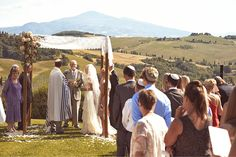 http://www.jules-photographer.com/tuscany-wedding-photography/montepulciano-wedding-terre-di-nano/