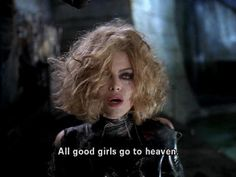 "Michelle Pfeiffer em ""Batman - O retorno"" toda trabalhada no cacho"