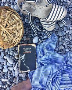 Sera sulla spiaggia #italy #amalficoast #amalfi #tyrrheniansea #pebblebeach #bonjourtristesse #janebirkinbasket #soludos #beachstyle #montereylocals #pebblebeachlocals - posted by emmanuelle lydia polycratis https://www.instagram.com/emmanuellelydia - See more of Pebble Beach at http://pebblebeachlocals.com/