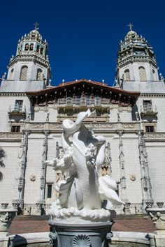 Hearst Castle. I always love a good castle. I've been to several of these, this one is spectacular. Do you love a good castle? #travelblog #castles #usa