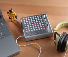 ThinkGeek :: Bliptronic 5000 LED Synthesizer