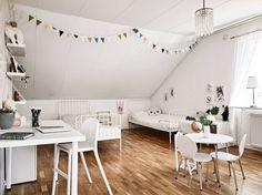 Barnrummet går enkelt att dela av i två sovrum