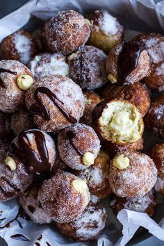 Vanilla Cream Filled Cabernet Hot Chocolate Snowball Doughnuts from Half Baked Harvest Superbowl Desserts, Köstliche Desserts, Delicious Desserts, Dessert Recipes, Yummy Food, Sweet Desserts, Chocolate Snowballs, Hot Chocolate, Chocolate Donuts