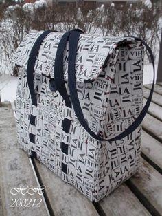 Vartahilla: Kurssituotos Mustavalkoinen laukku Juhlamokasta