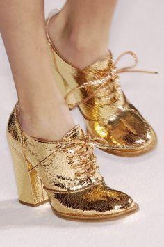 Gold Wedding Shoes | Read more: http://simpleweddingstuff.blogspot.com/2014/08/gold-wedding-shoes.html