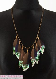Jewelry DIY Tutorial: Glitter Feather Necklace