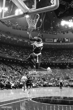 Shawn Kemp of the Seattle SuperSonics dunks during the 1992 NBA AllStar Slam Dunk Contest at Orlando Arena on February 8 1992 in Orlando Florida NOTE. Basketball Rules, Basketball Skills, Basketball Legends, Basketball Players, Sports Page, Basketball Photography, Nba Season, Sports Stars, Nba Players