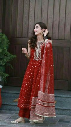 Designer dresses indian - mayaali in Norway wearing, Outfit by Indian Bridal Outfits, Pakistani Outfits, Pakistani Long Dresses, Beautiful Pakistani Dresses, Pakistani Fashion Casual, Pakistani Models, Ethnic Outfits, Ethnic Dress, Trendy Outfits