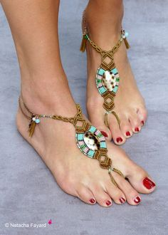 Bijoux de pieds coquillages micro macramé barefoot sandals boho hippy bohème chic Créateur France : Autres bijoux par natacha-fayard