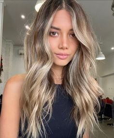 Brown Hair Balayage, Hair Color Balayage, Hair Highlights, Bronde Balayage, Bronde Hair, Fall Blonde Hair Color, Blonde Hair Looks, Brown Hair Into Blonde, Dying Hair Blonde
