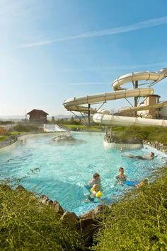 Geniet van het heerlijke buitenzwembad op Center Parcs Park Hochsauerland