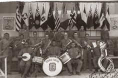 Brasil na Segunda Guerra Mundial  - Banda oficial da companhia do Quartel General em Alessandria, no norte da Itália (Arquivo General Tácito Theóphilo Gaspar de Oliveira).  http://www.historiailustrada.com.br/2014/04/fotos-raras-brasil-na-segunda-guerra.html#.VW9y4c9Viko