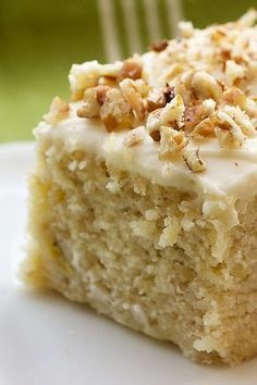 Banana Cake with Cream Cheese Frosting.I used to eat my girlfriends mom's secret stash of Sara Lee banana cake w/ cream cheese frosting. 13 Desserts, Dessert Recipes, Frosting Recipes, Recipes Dinner, Dinner Ideas, Picnic Recipes, Baking Desserts, Cake Baking, Health Desserts