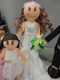 El vestido de la novia, que me dio mucho trabajo, pero creo que el resultado fue perfecto. Hacemos todos los muñecos totalmente personalizados.