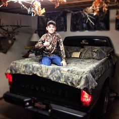 Turn an old truck bed into an old Mossy Oak truck BED.
