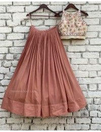 Indian Skirt, Dress Indian Style, Choli Designs, Lehenga Designs, Indian Lehenga, Lehenga Choli, Blouse For Lehenga, Western Lehenga, Orange Lehenga