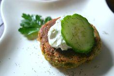 Falafel met yoghurt komkommersaus @ http://allrecipes.nl