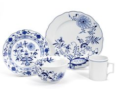 When it comes to blue and white, we cannot forget Meissen's best-known and most collectible porcelain- Blue Onion pattern.