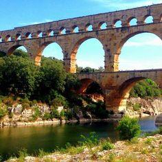Driving around France holiday guide - where to drive around France #PontduGard #aquaduct #TravelTips via @handbagcom